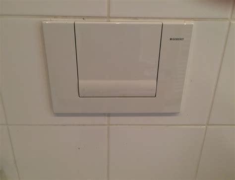 wc spülung wie viel wasser problem mit sp 252 lkasten selbst l 246 sen ist m 246 glich