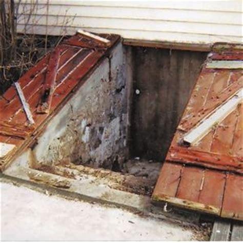 outdoor exterior basement cellar bulkhead door