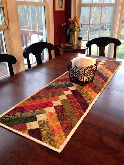 show stopping  table runner patterns sewcanshe