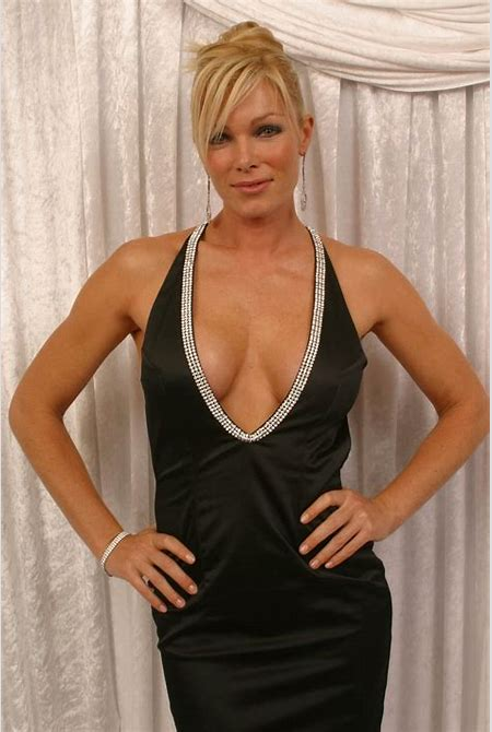 Picture of Nell McAndrew