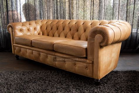 Insanely Beautiful Italian Chesterfield Sofa, Poltrona Frau