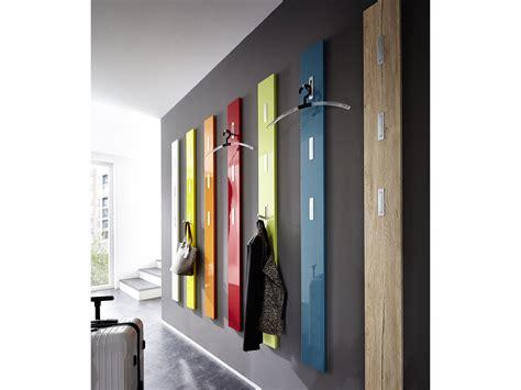 placard de cuisine but porte manteau mural en bois 3 accroches rabattables h170cm