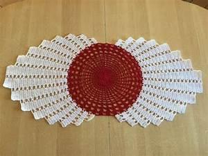 Set De Table Au Crochet : tuto chemin de table au crochet 2 2 doovi ~ Melissatoandfro.com Idées de Décoration