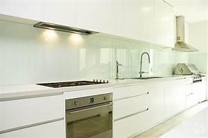 Verkleidung Für Fliesenspiegel : mit einem fliesenspiegel aus glas moderne akzente setzen ~ Michelbontemps.com Haus und Dekorationen