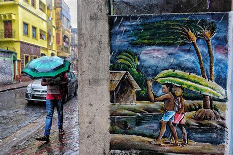 Using Juxtaposition In Street Photography Fujilove