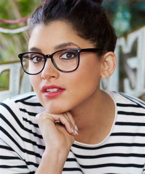 glasses buyers guide specsavers uk