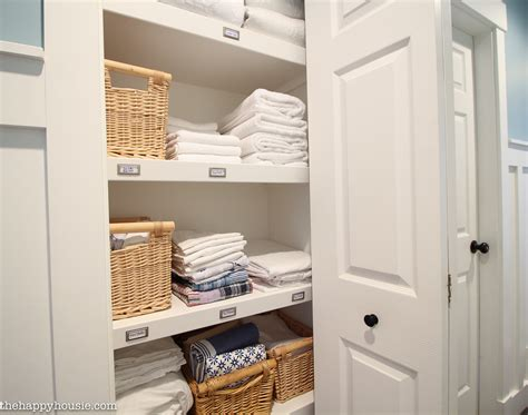 Organizing The Linen Closet by How To Completely Organize Your Linen Closet The Happy