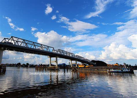 gambar  besar jembatan unik menakjubkan indonesia awas