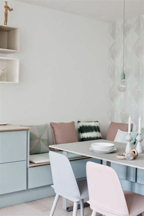 Einrichtung Kleiner Kuechemoderne Kleine Kueche Im Wohnzimmer 3 by Sch 246 Ne Essecke In Der K 252 Che Mit Sitzbank Und Pastellfarben