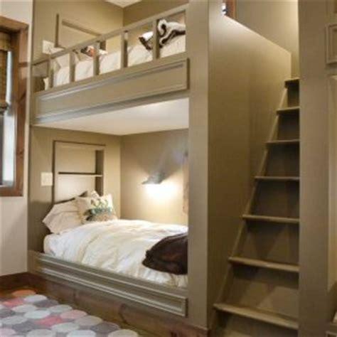 chambre avec lit mezzanine 2 places lit mezzanine 2 places avec bureau uteyo