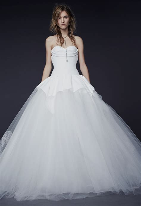 Vera Wang Fall 2015 Wedding Dresses Are Cool And Seductive