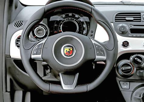 Www Al Volante It Usato by Foto Al Volante Della Fiat 500 Abarth Foto Auto Di Serie
