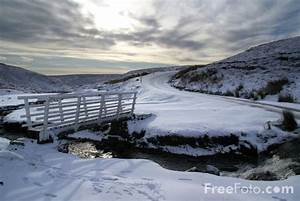 Snow covered Yorkshire Dales pictures, free use image, 90
