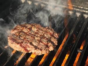 Burger Grillen Gasgrill Temperatur : charcoal versus gas grills the definitive guide serious eats ~ Eleganceandgraceweddings.com Haus und Dekorationen