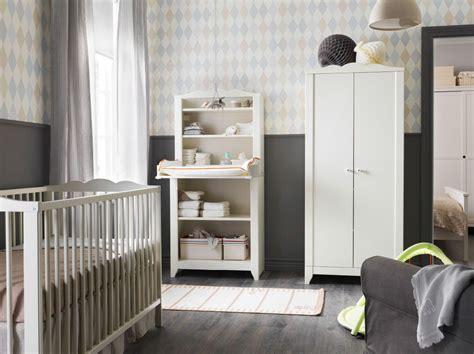 Ein Kinderzimmer Mit Hensvik Wickeltisch/schrank In Weiß