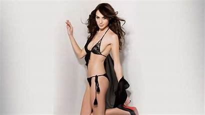 Gadot Gal Sexiest Bikini Boobs