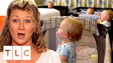 Mimi Shares Hotel Room With The Quints Outdaughtered