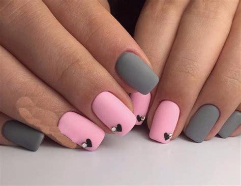 Серо розовый маникюр варианты дизайна идеи и техники выполнения на длинные и короткие ногти.