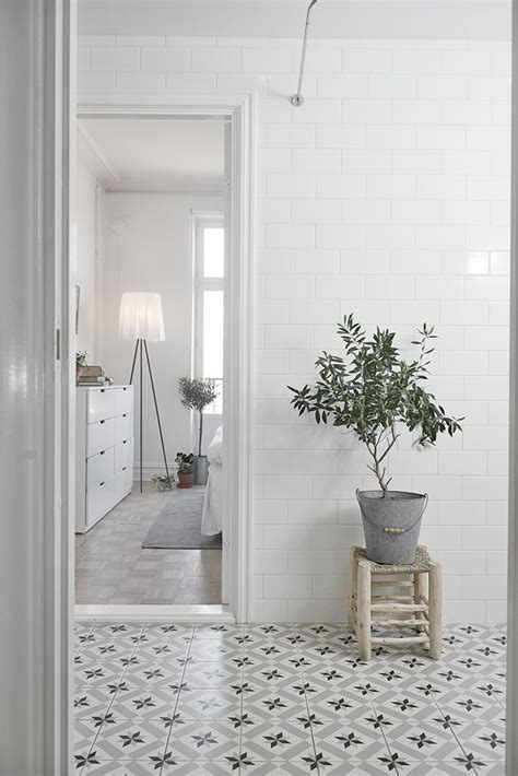 Floor Lino Bathroom by Best 25 Lino Tiles Ideas On Lino Flooring For