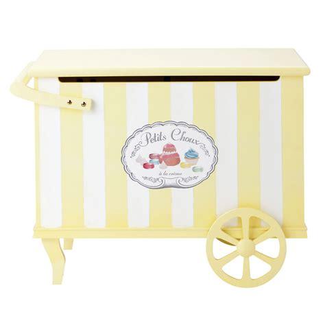 maison du monde coffre coffre enfant en bois blanc et jaune l 75 cm gourmandise