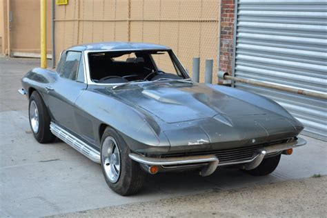 chevrolet corvette split window coupe stock