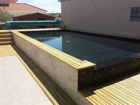 carrelage mosaique piscine noir m 233 tallique en p 226 tes de verre carrelage piscine