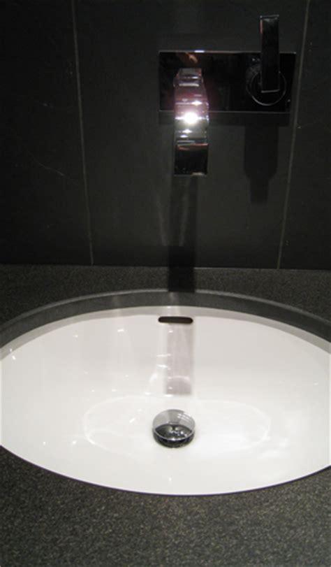 vasque a coller sous plan il y a de l eau dans les vasques le de philippe ponceblanc architecte d int 233 rieur cfai