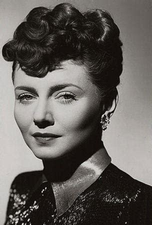 Popular Hairstyles In The 1940s by 1940 S Hairstyles