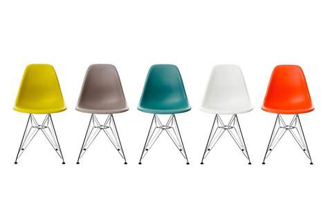 chaises de couleur vitra eames plastic side chair dsr by charles eames