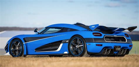 koenigsegg agera r black and red koenigsegg agera rs 25 cars produced cars