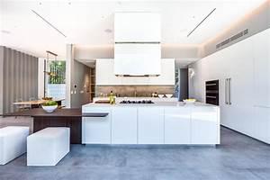 Cuisine moderne blanche sans poignee maison d'architecte