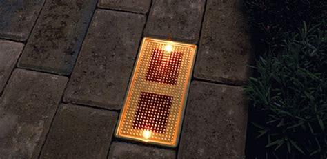 illuminate  walk lights powered   sun ecofriend
