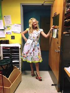 First Grade Teacher Has Students Draw On Her Dress For ...