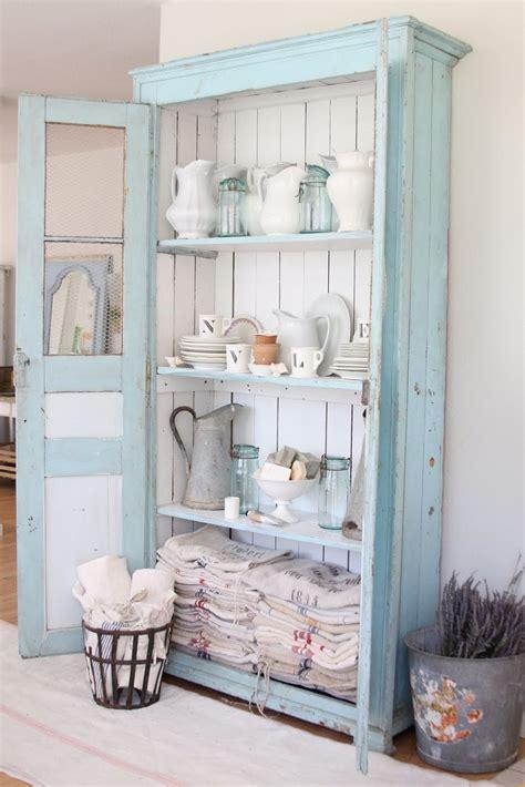 cuisine à l ancienne relooker armoire ancienne en 30 idées déco bluffantes