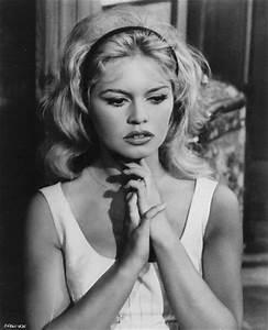 GOLDEN DREAMLAND: Style Icon: Brigitte Bardot  Brigitte
