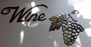 Metal Wall Art Decor small Grape Bushel & Wine Sign