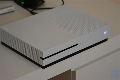 Handson With The Xbox One S Mspoweruser