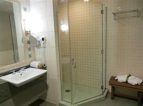 showers at lax review american airlines flagship lounge at jfk airport