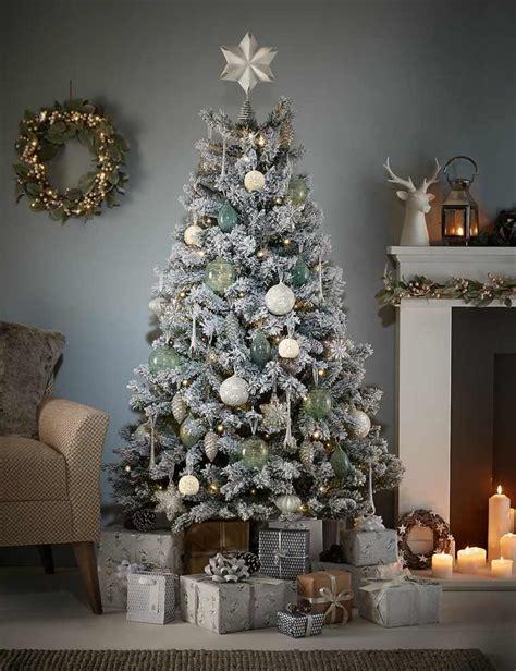 snow covered artificial christmas trees sapin artificiel enneig 233 pour un no 235 l hors de commun 8333