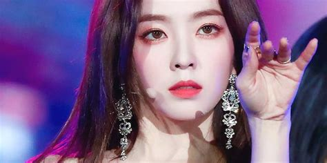 artis cantik korea  wajahnya   diminati