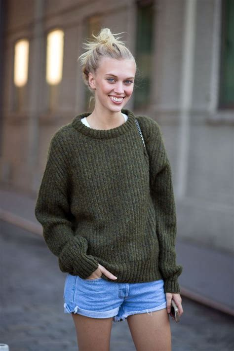 32 chic ways to wear your knitted sweater 2019 fashiongum