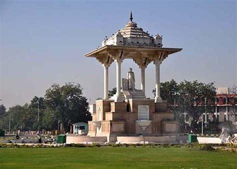 statue circle meet  locals jaipur magazine  english