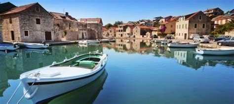 Small Boat Mediterranean Cruises by 10 Best Luxury Mediterranean Small Ship Cruises For 2018 2019