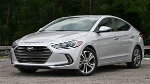 2017 Hyundai Elantra Limited – Driven | Top Speed  2017