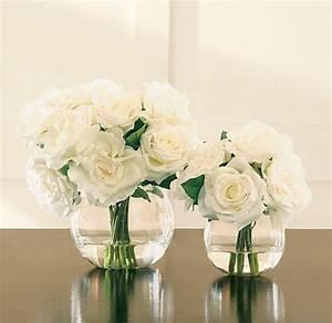 le vase boule petit objet avec de grandes idees With affiche chambre bébé avec bouquet de roses blanches