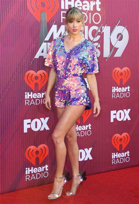 Taylor swift outfit purple in 2020   Taylor swift hot ...