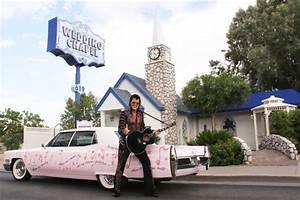 Say quoti doquot with elvis stop 10 in our unique wedding venue for Elvis wedding chapel las vegas