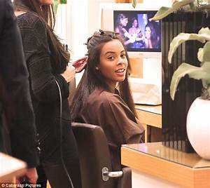 Pregnant Rochelle Humes enjoys pamper session at hair ...