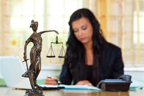comment devenir greffier des services judiciaires