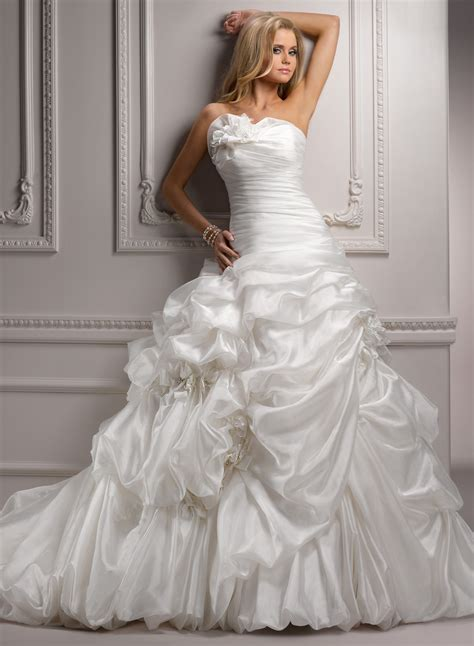 irresistible attraction  ball gown wedding dresses